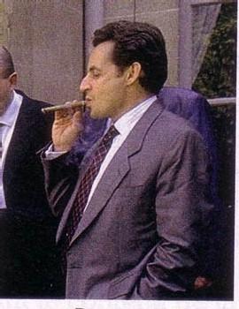 Sarkozy devient social ! Mais avec les riches seulement.