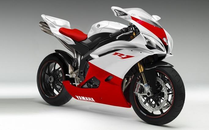 Essai de la Yamaha R1 : ça décoiffe grave !