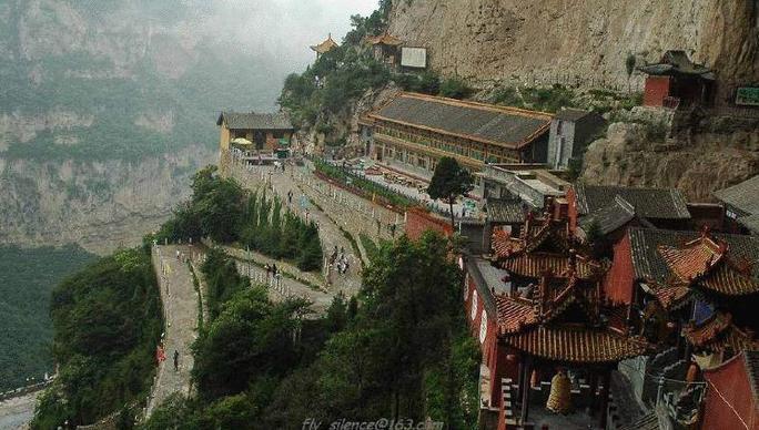 Le monastère suspendu de Heng Shan près de Datong, province de Shanxi, Chine