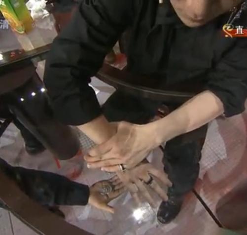 Un magicien vraiment très fort !