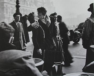 Le baiser de l'hôtel de ville, la photo la plus célèbre de Doisneau