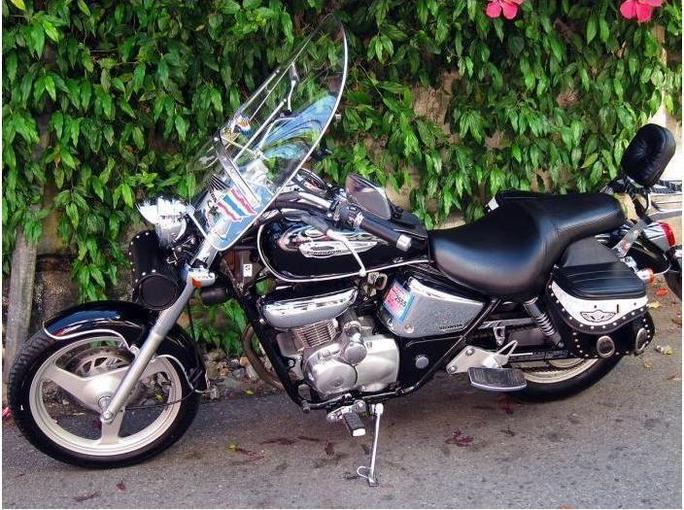 Ma nouvelle moto : Honda Phantom. Occasion (2005), 5500 km, 1400 euros !