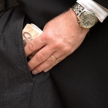 L'impôt, c'est pour les couillons.