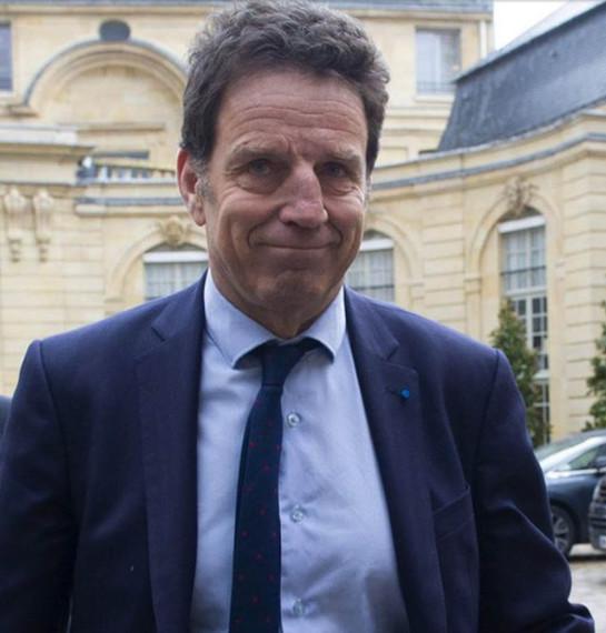 Macron nous prend pour des couillons !