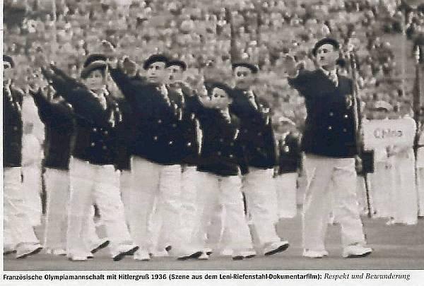 Jeux de 1936. La délégation française a déjà intégré le salut hitlérien
