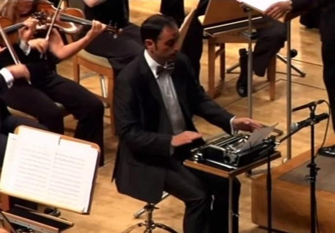Orchestre et machine à écrire