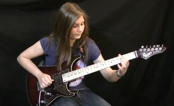 Le solo d'«Eruption» de Van Halen interprété par Tina, 14 ans (!) française.