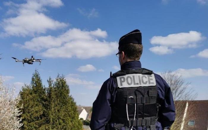 Comment la Covid-19 sert de prétexte pour accélérer le déploiement des technologies de surveillance en France