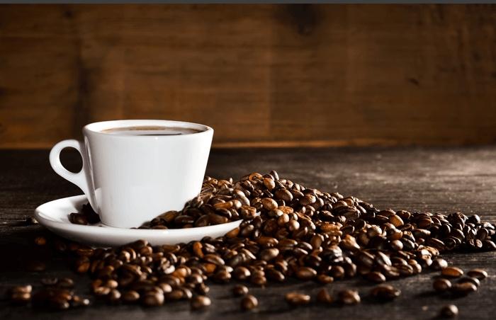 Vous buvez du café le matin à jeun ? Lisez cet article !