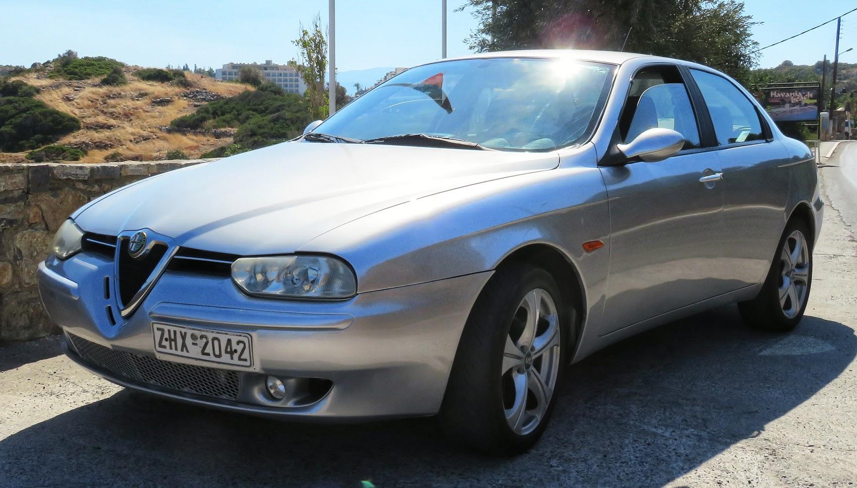 Ma voiture. Alfa 156 achetée en Grèce, moins de 5000 euros et joliment retapée.