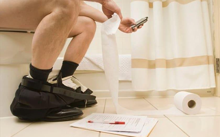 Les smartphones sont sept fois plus sales que des WC !