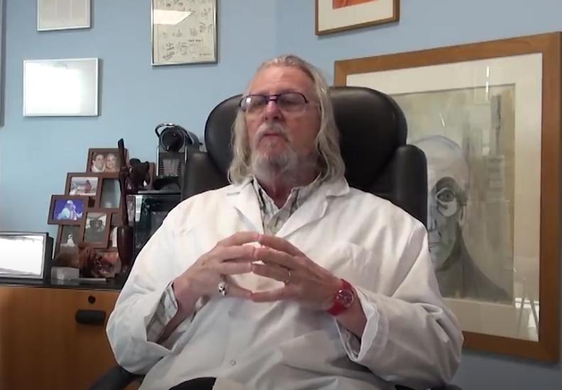 Une interview du professeur Raoult, en date du 16 mars 2021